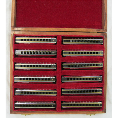 Huang Star Performer Harmonica 12 Key Pack.